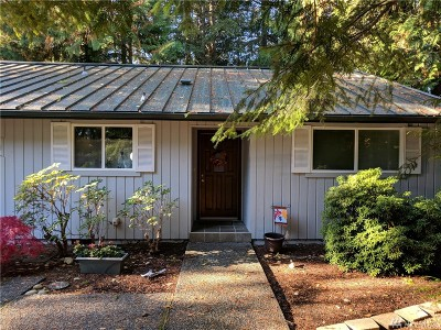 Gig Harbor Condo/Townhouse For Sale: 3724 Harborcrest Ct NW