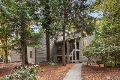 Redmond Condo/Townhouse For Sale: 8104 146th Ct NE