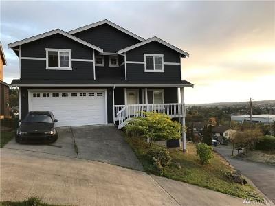 Renton Single Family Home For Sale: 652 Blaine Ct NE