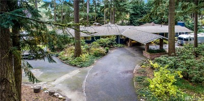 Kirkland Single Family Home For Sale: 30 Bridlewood Cir