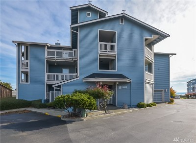 Oak Harbor Condo/Townhouse For Sale: 651 SE Bayshore Dr #A201