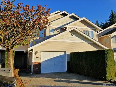 Lynnwood Condo/Townhouse For Sale: 15414 35th Ave W #16