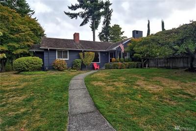 Seattle Single Family Home For Sale: 8000 Fairway Dr NE