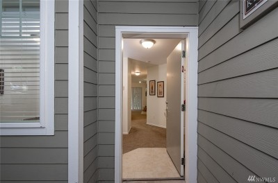 Issaquah Condo/Townhouse For Sale: 18501 SE Newport Way #K144