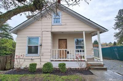 Burien Single Family Home For Sale: 11426 Des Moines Memorial Dr S