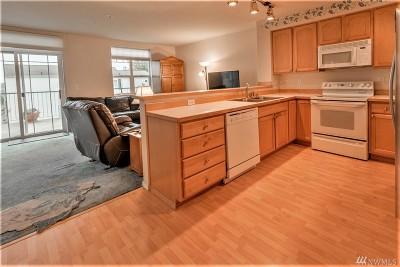 Bellevue Condo/Townhouse For Sale: 3990 129th Place SE #C103