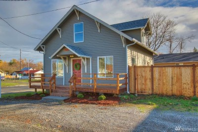 Thurston County Single Family Home For Sale: 108 2nd St SE