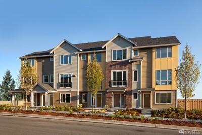 Bellevue Condo/Townhouse For Sale: 15726 14th Terr NE #2502