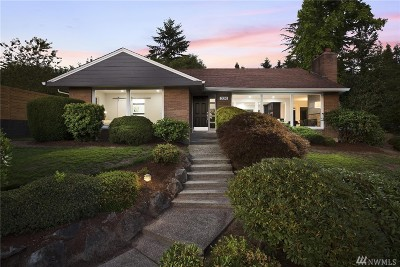 Kent Single Family Home For Sale: 320 Summit Ave N
