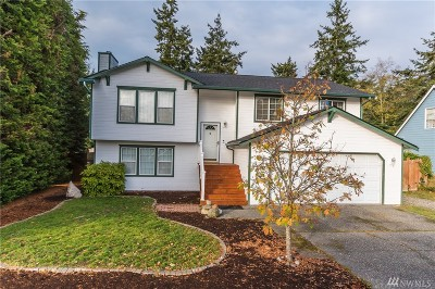 Oak Harbor Single Family Home For Sale: 1752 SW 7th Ave