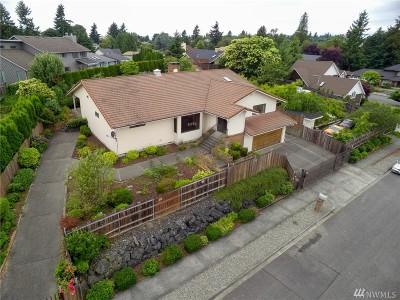Tacoma Single Family Home For Sale: 3714 Larchmont Av Ct NE