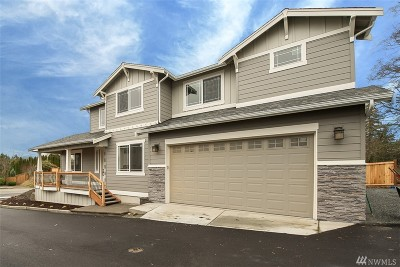 Lynnwood Condo/Townhouse For Sale: 15322 Manor Wy