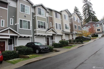 Lynnwood Condo/Townhouse For Sale: 15720 Manor Wy #G5