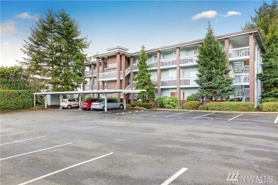 Tacoma Condo/Townhouse For Sale: 1140 Browns Point Blvd NE #1