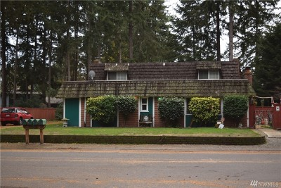 University Place Multi Family Home For Sale: 9718 52nd St W