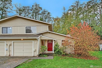 Lynnwood Condo/Townhouse For Sale: 13430 33rd Place W #B