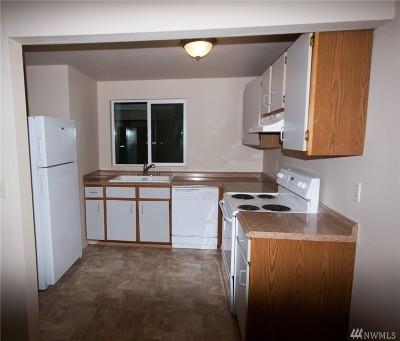 Tacoma Condo/Townhouse For Sale: 10312 15th Av Ct E