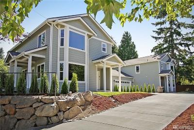 Everett Condo/Townhouse For Sale: 10122 7th Ave SE #A