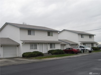 Moses Lake Multi Family Home For Sale: 1302 Shaker Place