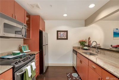 Seattle Condo/Townhouse For Sale: 1711 E Olive Wy #213