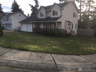 Oak Harbor Single Family Home For Sale: 1699 SW 10th Ave