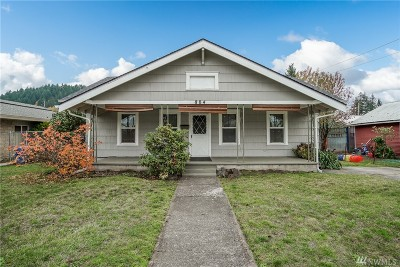 Centralia Single Family Home For Sale: 804 S Gold St