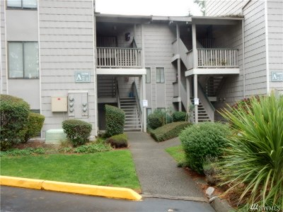 Federal Way Condo/Townhouse For Sale: 33006 S 17th Place S #A102