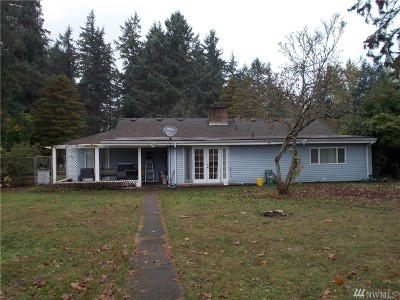 Lakewood Single Family Home For Sale: 46 Beverly Dr SW