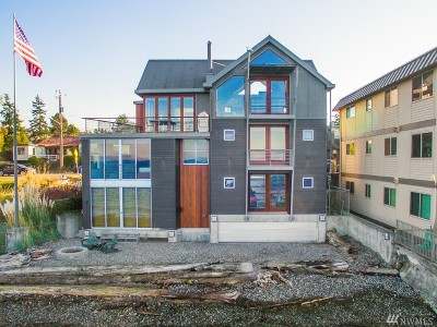 Seattle Single Family Home For Sale: 3001 Alki Ave SW