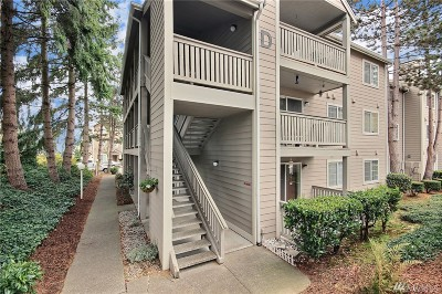 Everett Condo/Townhouse For Sale: 215 100th St SW #D307