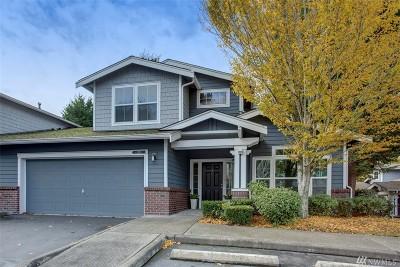Kirkland Condo/Townhouse For Sale: 8819 123rd Lane NE