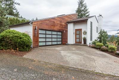 Bellevue Single Family Home For Sale: 1800 187th Ave NE