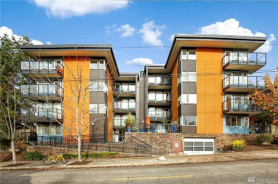 Seattle Condo/Townhouse For Sale: 120 NW 39th St #104