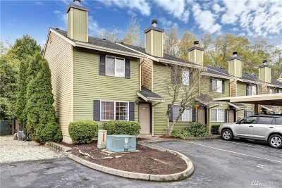 Everett Condo/Townhouse For Sale: 412 Center Rd #A1