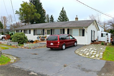 Nooksack Single Family Home For Sale: 1114 Nooksack Rd