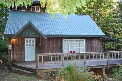 Index Single Family Home For Sale: 52703 Deep Woods Rd