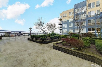 Everett Condo/Townhouse For Sale: 2824 Grand Ave #A104