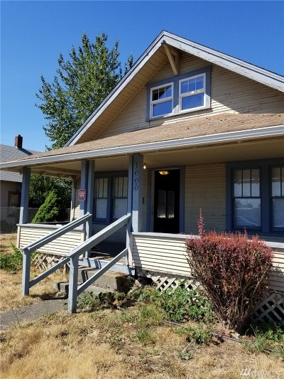 Centralia Single Family Home For Sale: 1009 W Main St
