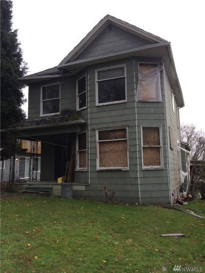 Seattle Single Family Home For Sale: 2415 S Graham St