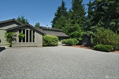 Mercer Island Single Family Home For Sale: 8250 SE 33rd Place