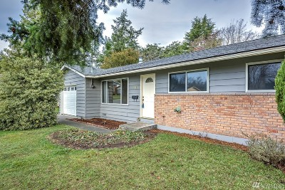 Oak Harbor Single Family Home For Sale: 352 SW 8th Ave