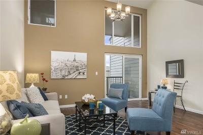 Redmond Condo/Townhouse For Sale: 6640 137th Ave NE #439