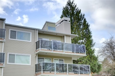 Redmond Condo/Townhouse For Sale: 7024 155 Place NE #7024