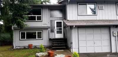 Tacoma Condo/Townhouse For Sale: 1728 114th St S