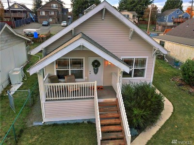 Everett Single Family Home For Sale: 920 E Marine View Drive