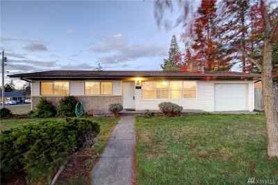Oak Harbor Single Family Home For Sale: 1744 NE 1st Ave