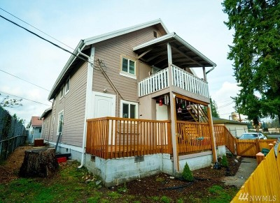 Lake Stevens Multi Family Home For Sale: 2506 Hartford Dr
