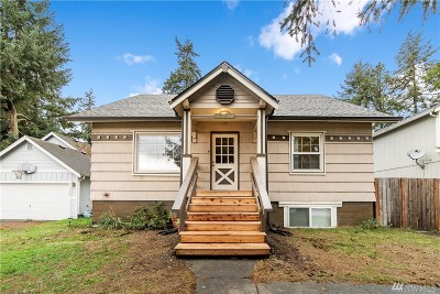 Pierce County Multi Family Home For Sale: 13808 C St S