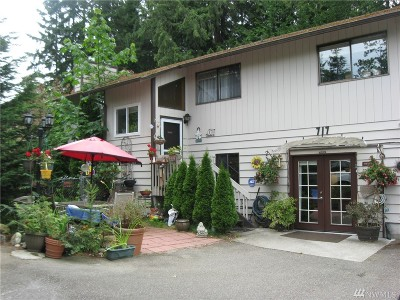Shoreline Single Family Home For Sale: 717 N 184th St
