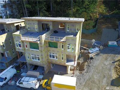 Bellevue Condo/Townhouse For Sale: 4034 129th Place SE (Unit 5)